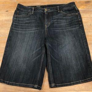 Vera Wang Bermuda jean shorts